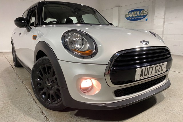 Mini Hatch 1.5 Cooper 5dr Hatchback 2017