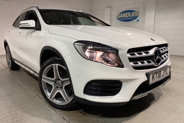 Mercedes Benz Gla-class 1.6 Gla 200 Amg Line Executive 5dr Estate 2018
