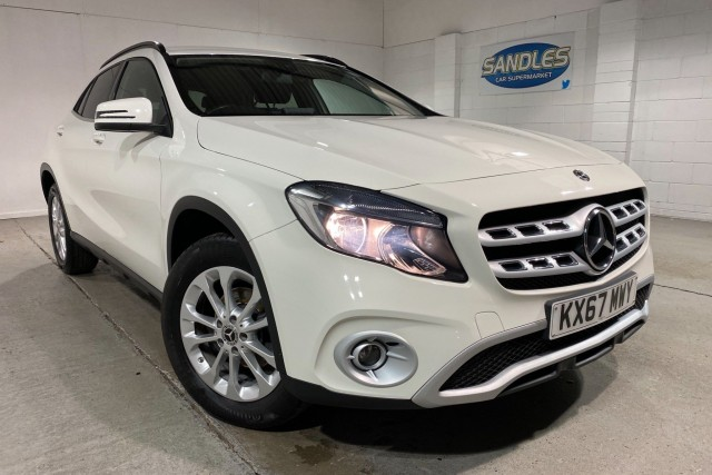 Mercedes Benz Gla-class 1.6 Gla 200 Se 5dr Estate 2017